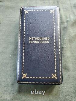 WWII US Army Air force DISTINGUISHED FLYING CROSS IN Original coffin box